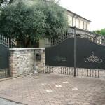 cancello con lamiera serigrafata