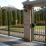 cancello e cancelletto pedonale in ferro battuto